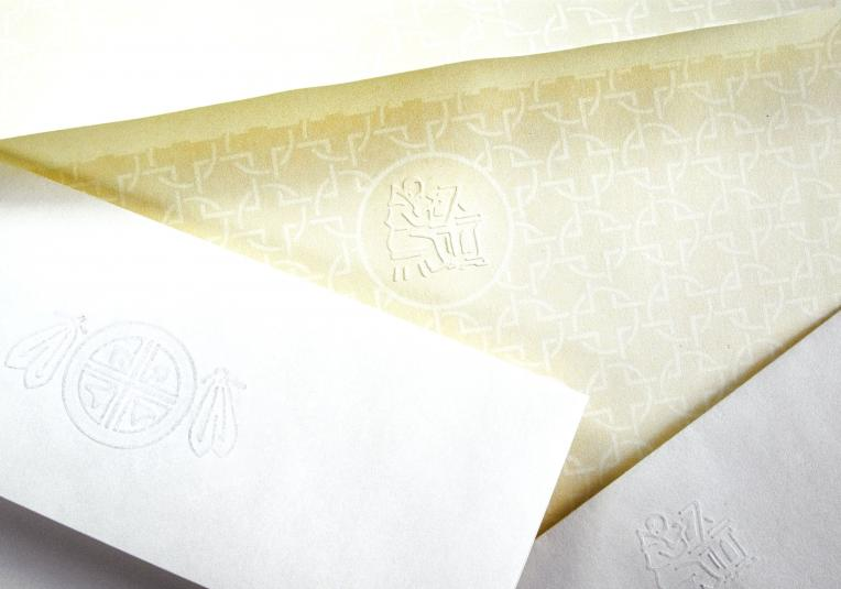 Spot embossed envelope